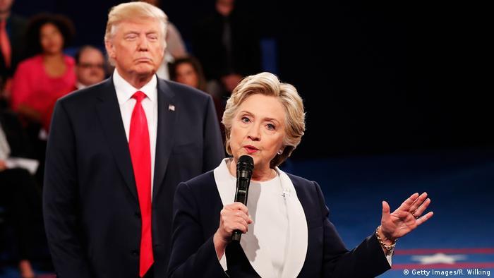 USA Präsidentschaftswahlkampf Debatte 2019 Trump hinter Clinton (Getty Images/R. Wilking)