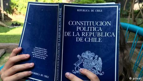 Buch Ausgabe Verfassung der Republik Chile