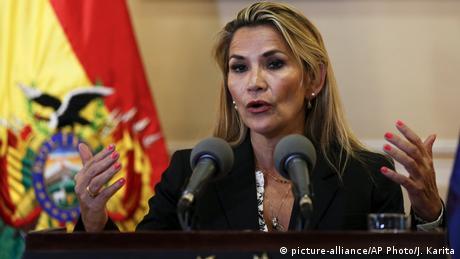 Jeanine Anez (picture-alliance/AP Photo/J. Karita)