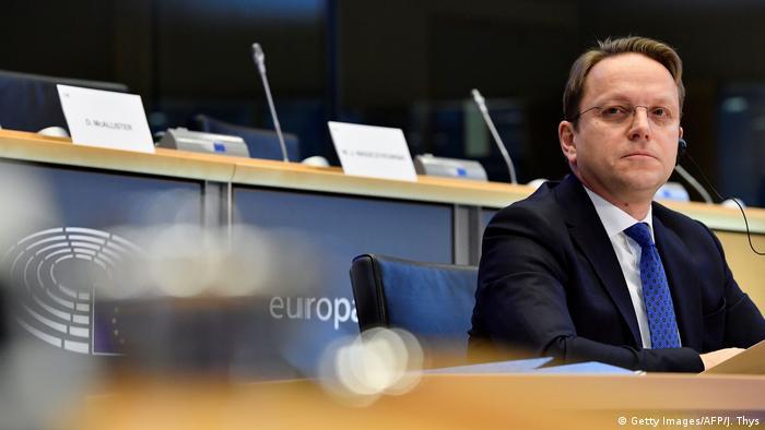 Олівер Варгеї на слуханнях у Європарламенті
