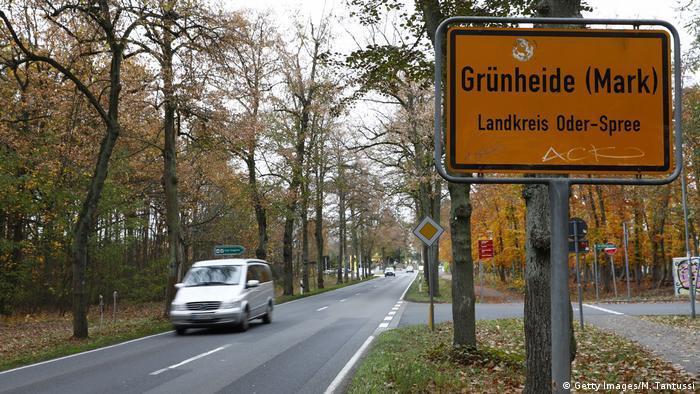 Deutschland Tesla plant Fabrik in Gemeinde Grünheide