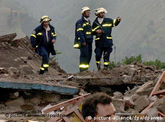 German rescuers helping out after the South Asia earthquake