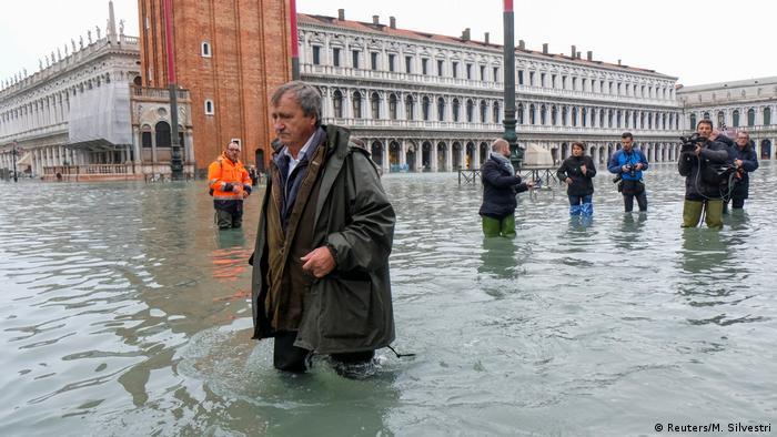 El alcalde veneciano Luigi Brunaro (foto) se queja de las demoras en construir el sistema MOSE.