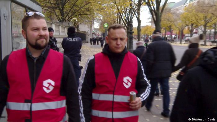 Citizen militias of the Establish Protection Zones initiative in Berlin (DW/Austin Davis)