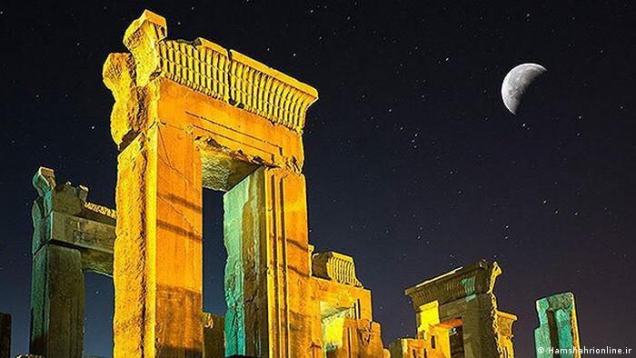 ساخت بنای تخت جمشید به سال ۵۱۸ پیش از میلاد بازمیگردد
