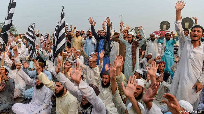 Pakistani protesters in Karachi