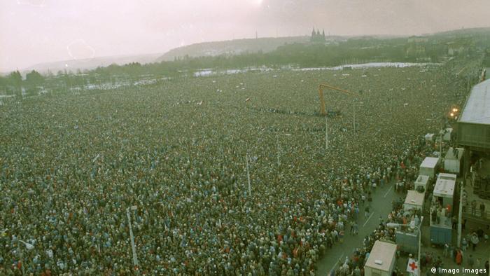 Студенческая демонстрация в Праге 17 ноября 1989 года