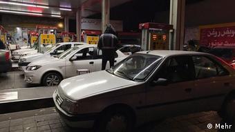 قیمت بنزین بدون اعلان قبلی در ایران افزایش یافت