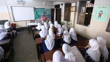 Despite threats from religious fundamentalists, hundreds of Bangladeshi girls have been taking sex education classes in religious schools, also known as madrasas. The government plans to introduce it countrywide. Rights: Harun Ur Rashid / DW am 14.11.2019.