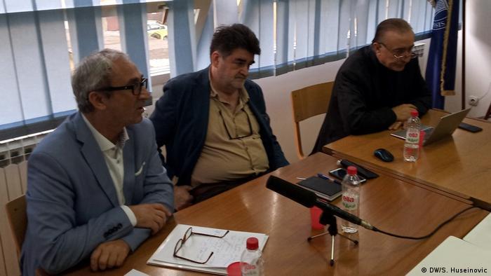 Runder Tisch in Sarajevo: Einfluss Serbiens und Kroatiens auf politische Lage in Bosnien Herzegowina (DW/S. Huseinovic)