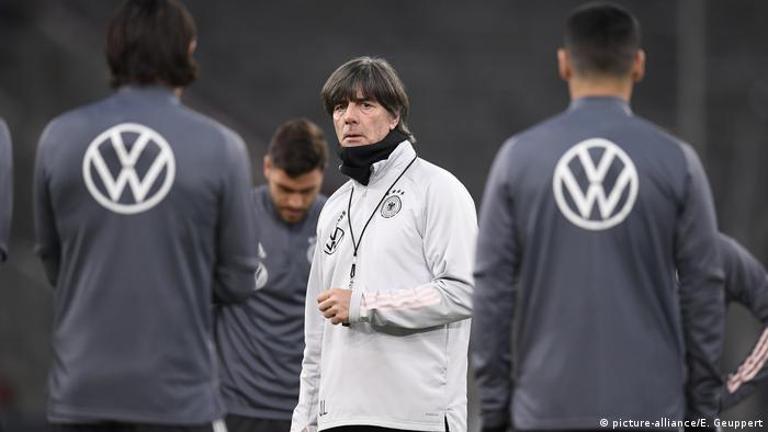 Bundestrainer Joachim Jogi Loew (picture-alliance/E. Geuppert)