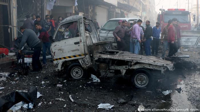 Syrien Autobombe in al-Bab (picture-alliance/Anadolu Agency/B. Kasim)