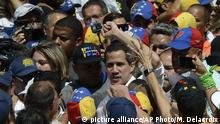 Venezuela l Proteste - Oppositionspolitiker Juan Guaido (picture alliance/AP Photo/M. Delacroix)