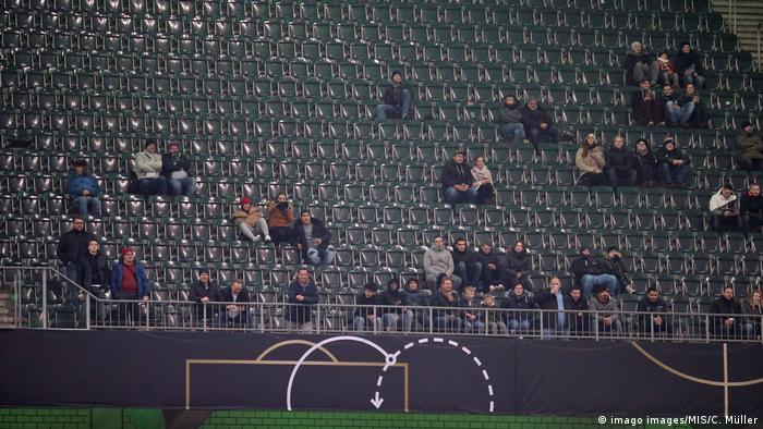 Die Dfb Elf Und Das Problem Mit Den Fans Sport Dw