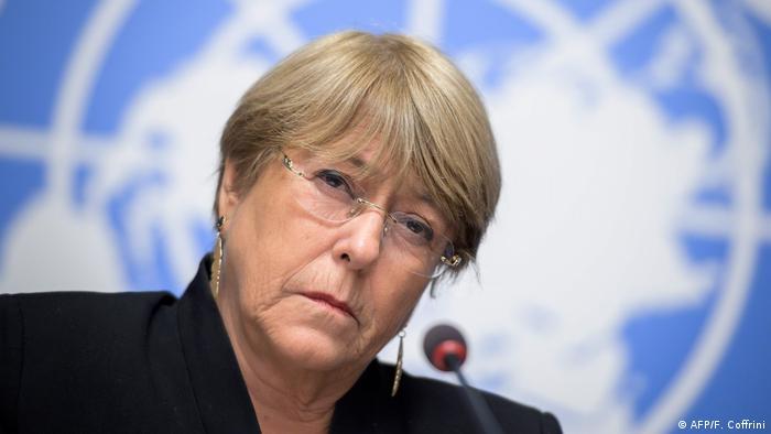 Schweiz Bachelet kritisiert Vorgehen von Polizei und Armee in Bolivien (AFP/F. Coffrini)