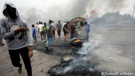 Irak Anti-Regierungsproteste & Ausschreitungen in Basra (Reuters/E. al-Sudani)