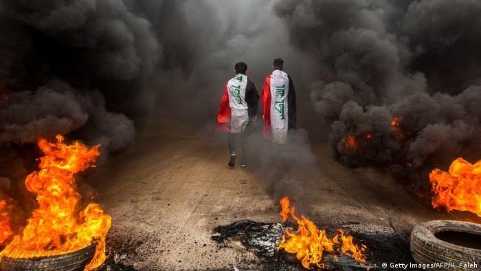 Irak l Anti-Regierungsproteste und Ausschreitungen in Basra (Getty Images/AFP/H. Faleh)