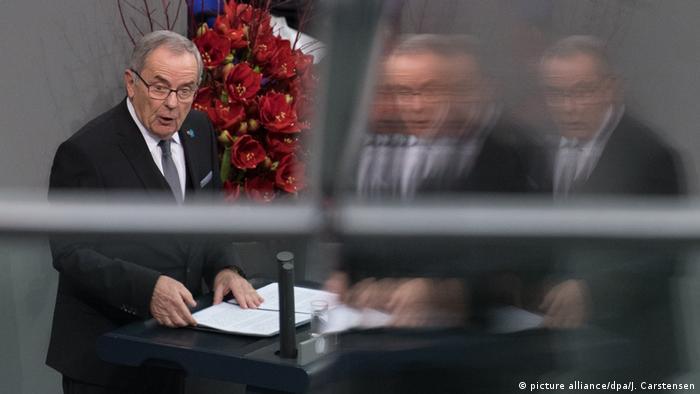 Deutschland l Zentrale Gedenkfeier zum Volkstrauertag im Bundestag l Wolfgang Schneiderhan