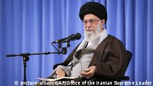 Iran Religionsführer Ali Chamenei (picture-alliance/AP/Office of the Iranian Supreme Leader)