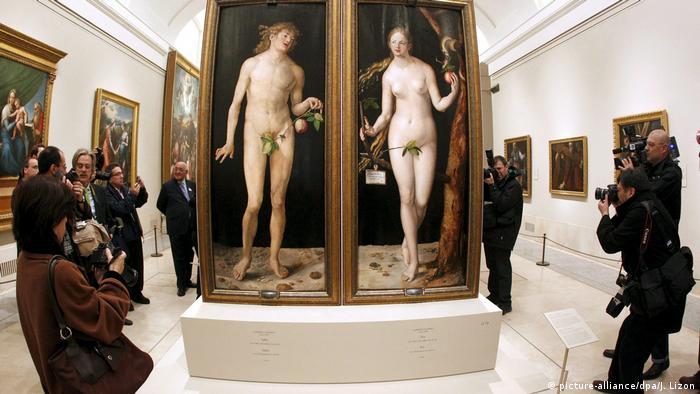 Albrecht Dürer's Adam and Eve on show after their restoration (picture-alliance/dpa/J. Lizon)