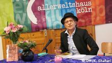 Fahime Farsaie, deutsch-iranische Schriftstellerin und Journalistin, in Allerweltshaus Köln, bei der Lesung aus Ihrem Buch Pish az Tardid, Persische Ausgabe des 1998 erschienenen Buch Hüte Dich vor den Männern, mein Sohn