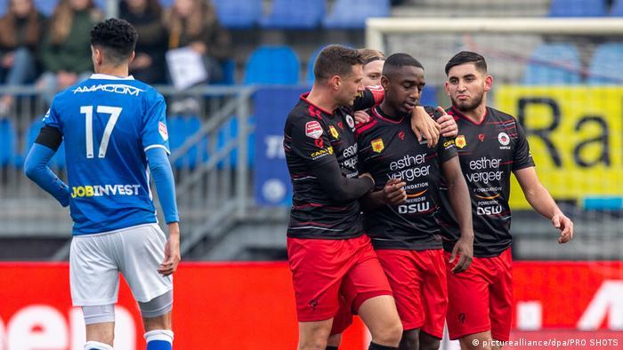 Niederlande | FC Den Bosch vs Excelsior Rotterdam | Rassismus