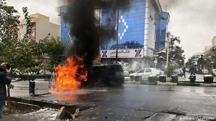 Iran | Protest gegen Preissteigerung von Benzin