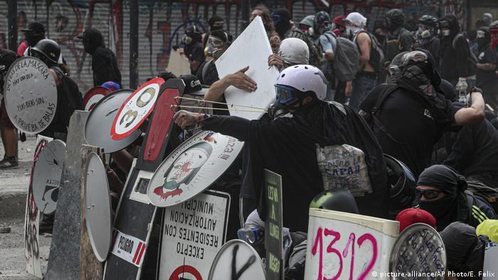 Chile Santiago Proteste Ausschreitungen (picture-alliance/AP Photo/E. Felix)