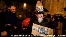Italien Modena Protest der Bewegung Sardine gegen Salvini Besuch