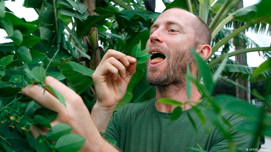 Living Planet : Rob Greenfield on the joy of foraging for food   Environment  All topics from climate change to conservation   DW