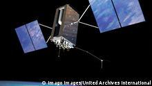 GPS-Satellit in der Erdumlaufbahn