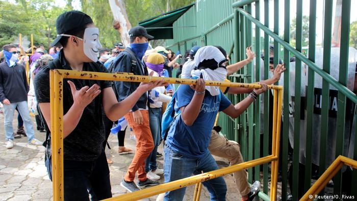 Durante meses el pueblo nicaragüense protestó contra su presidente, aunque no lograron destituirlo.