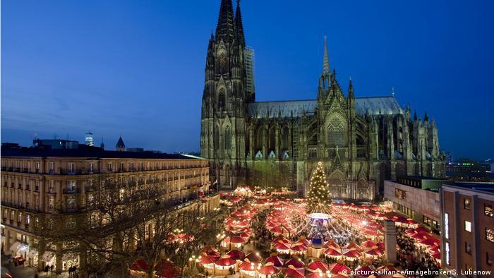 Weihnachtsmarkt Köln (picture-alliance/imagebroker/S. Lubenow)