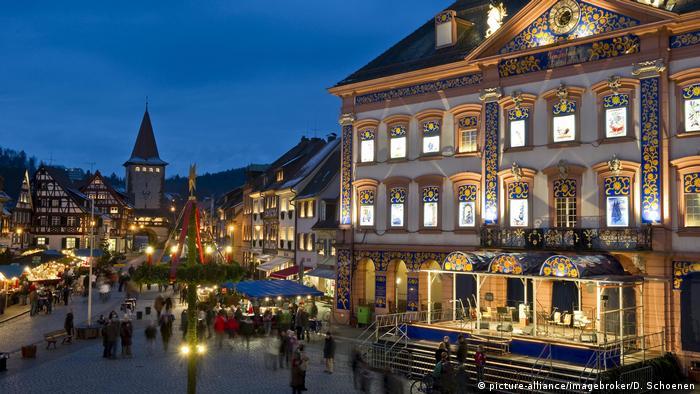 Weihnachtsmarkt Gengenbach Schwarzwald (picture-alliance/imagebroker/D. Schoenen)