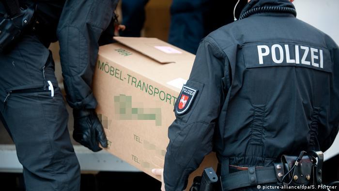 Deutschland Symbolbild Polizeirazzia