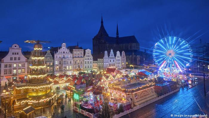 Weihnachtsmarkt Rostock (Imago Images/Bildwerk)