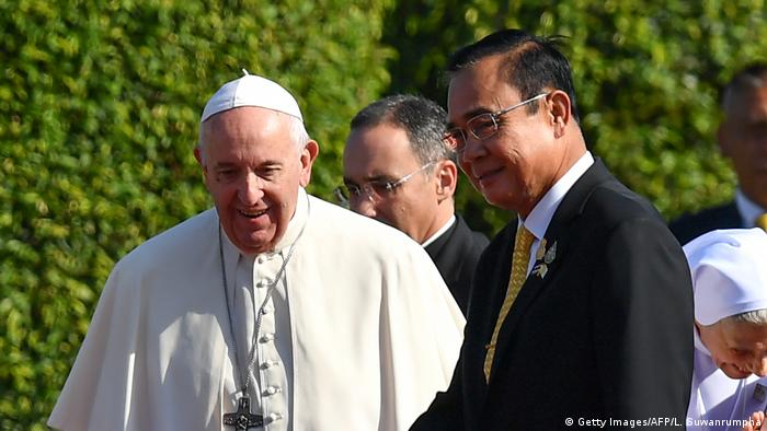 The pope met with Thai PM Prayuth Chan-ocha at a red-carpet welcome ceremony at the Government House in Bangkok