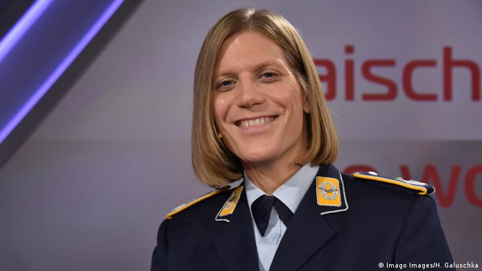 Anastasia Biefang primeira comandante transsexual da Bundeswehr