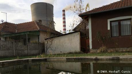 Balkan Booster Stadt Obiliq Kosovo (DW/A. Hoxha/T. Curcic)