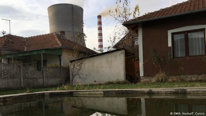 Balkan Booster Stadt Obiliq Kosovo (DW/A. Hoxha/T. Curcic)