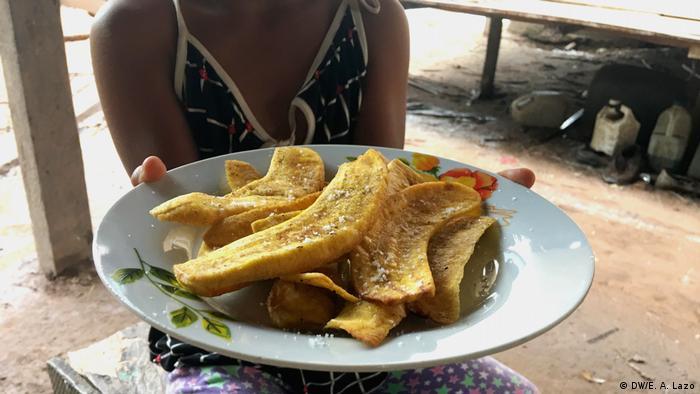 Banana frita o chifle.