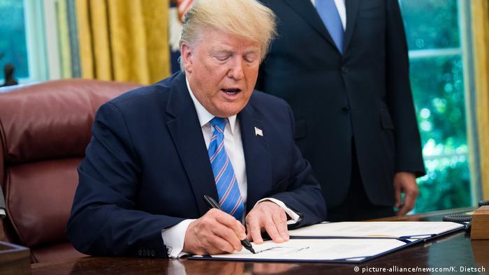 Дональд Трамп підписав указ про регулювання соцмереж після конфлікту з Twitter