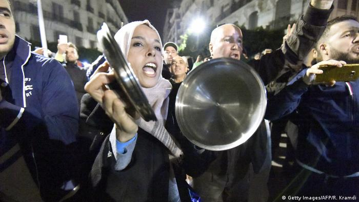 Protesters in Algeria shout slogans and march in Algiers (Getty Images/AFP/R. Kramdi)