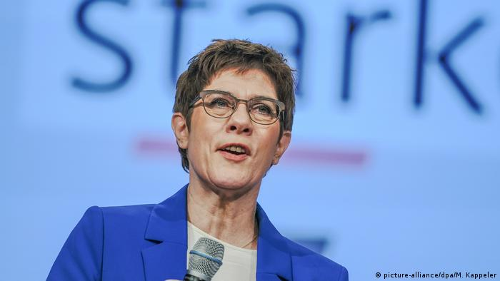 CDU party leader and defense minister Annegret Kramp-Karrenbauer (picture-alliance/dpa/M. Kappeler)