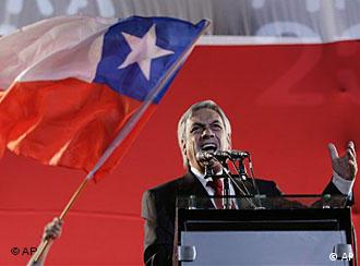 Chile's President-elect Sebastian Pinera delivers delivers a speech after winning the runoff presidential election in Santiago, Sunday, Jan. 17, 2010. Billionaire Sebastian Pinera won the election, ending two decades of center-left rule. (AP Photo/Jorge Saenz)