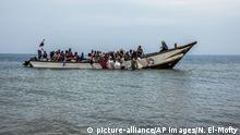 Yemenitische Flüchtllinge auf einem Schiff auf der Flucht