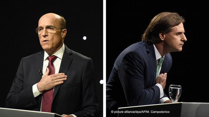 O candidato governista Daniel Martínez (esq.) e o opositor Luis Lacalle Pou aguardarão recontagem dos votos