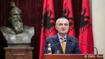 Al_President Meta ruft zum Referendum auf (DW/A. Ruci)
