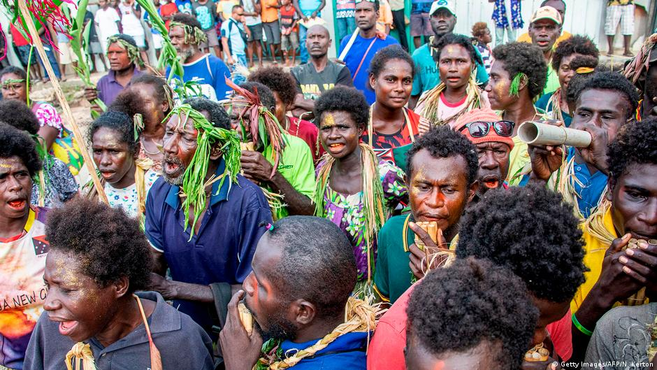 <b>Bougainville votes on independence from Papua New Guinea</b>