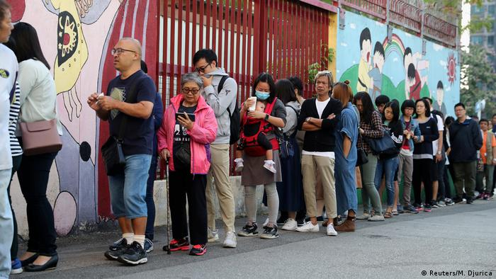 Hongkong Wahllokal (Reuters/M. Djurica)